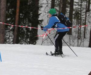 Oscar Stener och Mattis Westerström satsade mer på klädseln än på skidåkningen. De tog sig även tid att fika längs spåret.