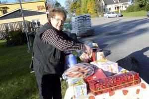 Laddat med mackor. Christina Carlsson från lokala matbutiken såg till att ingen städare behövde gå hungrig.