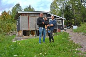 Fredrik Hallstensson, ordförande i GMIS lovar att hjälpa Niclas och Seth.