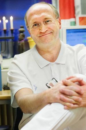 Lars Alvskog var riktigt illa ute när han kämpade mot svininfluensan under 41 dygn. Det intygar överläkare Lars Erik Olofsson på infektionskliniken