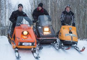 Hälsinglands första tävling i veteranskotercross arrangeras av Erik Svedberg, Simon Lindqvist och Jonas Svedberg.