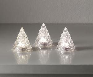 För dig som inte vill ha krusiduller. Enkla och passar perfekt i det vita hemmet. Eller det färgglada för den delen. 3 stycken LED-granar kostar 49 kronor på Ikea.