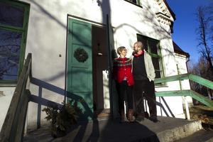 Anneli och Daniel Östersjö är stolta ägare av Missionshuset Lugnet i Sätra by i Tierps kommun.