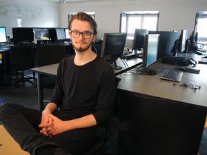 Max Wijkstranius läser andra året till programmerare på Playgroundsquad i Falun.