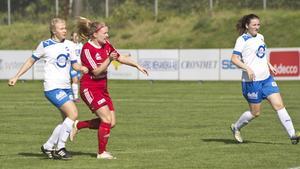 Lotta Nurmilehto och hennes Västanfors tappade viktiga poäng i toppstriden.