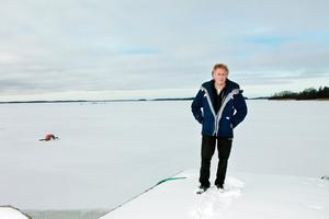 Anders Michaneks överklagande av domen i miljödomstolen nekas prövningstillstånd. Därmed får Hargshamns AB tillåtelse att muddra i Singöfjärden.