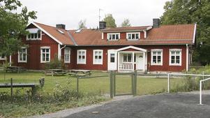 Det hade varit bättre att flytta särskolan till Fagerviksskolan, anser Elisabeth Almqvist.