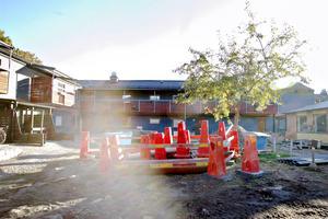 Byggnader, parkeringar, garage, genomfartsvägar och en del grönområden rustas också.