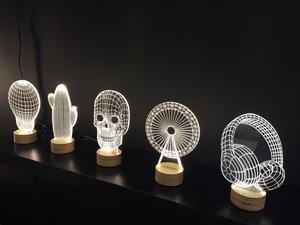10. Från Studio Cheha kommer lampan Bulbing i plexiglas med små lysande