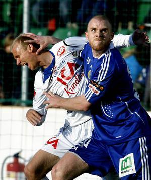Allsvenskan 2008: En turbulent säsong med stjärnvärvning, spelarflykt och tränarbyte. Hannes Sigurdsson levererade inte tillräckligt mycket, Per Joar Hansen ersattes av Sören Åkeby och Micke Lustig flyttade till Rosenborg. Inför den 30:e och sista omgången hade GIF visst hopp att knipa en kvalplats, men 6–0 i baken borta mot Malmö var lika pinsamt som förödande. Direktdegradering till Superettan.