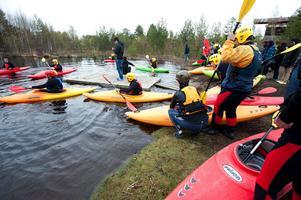 Falu kanotklubb bedriver ungdomsträning vid strömmen vid ändhållplatsen Hosjöholme.