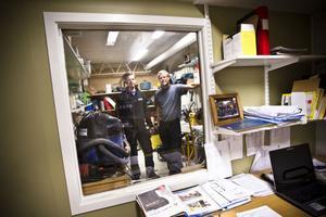 – Det är inspirerande, säger ägarna till SW Bygg, Morgan Jonsson, till vänster, och Stefan Wallin, till höger, om att bli gasellföretag. I år har de växt näst bäst i länet för andra året i rad.