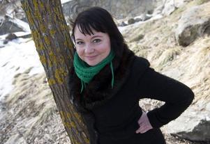 """Jessica Kolterjahn: – Jag skulle börja med """"Kris"""", en både självbiografisk och litterär spännande roman. Den är också en bra ingång till poesin."""