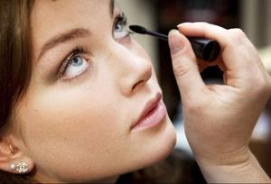 """""""Det viktigaste är att man använder en mascara som man själv tycker om och kan arbeta med"""", säger Kristina Wahlberg på Aqui."""