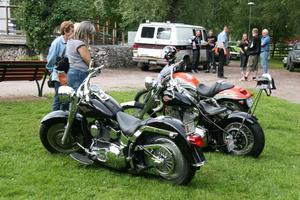 Motorcyklar och mopeder fanns det också att titta på.
