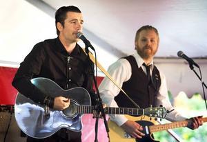 Cash. Lokala tribute-bandet Cash is King spelar bara Johnny Cashs musik.