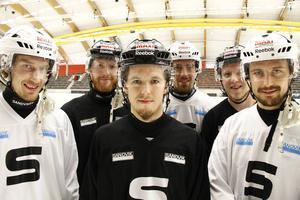 Erik Säfström, Ted Haraldsson, Linus Forslund, Rasmus Forslund, Joakim Bergman och Daniel Bäck laddar för SAIK:s femte raka SM-final.