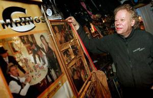 – Det var roligt men slitsamt, summerar Staffan Olofsson sina 40 år i dansbandssvängen. Alla minnen har han samlat i sitt eget museum.