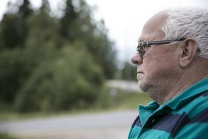 Per-Olov Alderback beklagar stängningen och säger att servicen på landsbygden blir sämre och sämre.