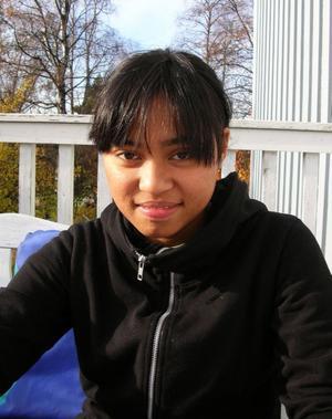 !6-åriga Regina kom till Sverige och Sundsvall i slutet av september. Sedan tre veckor tillbaka är hon försvunnen.