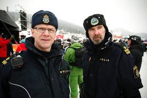 Håkan Hemlin och Mats Nilsson hade en lugn dag på jobbet och kunde njuta av tävlingarna.