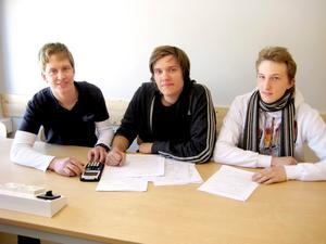 Henrik Thoresson från NV3A, Christoffer Boo och Roy Öhlin från TE3B. BILD: LUCAS WINGREN