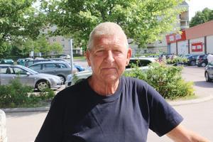 Leif Karlsson, 74 år, pensionär, Fagersta: – Nej, jag gillar nya bilar istället för gamla skrothögar.