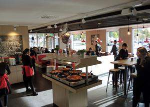 25 personer har fått jobb i den nya restaurangen på Kupolenområdet.