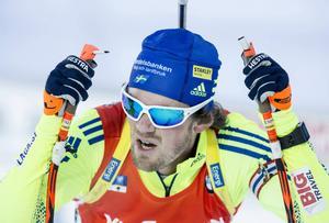 Fredrik Lindström gjorde en bra stafettsträcka för Sverige som blev sjua i mål i Hochfilzen.