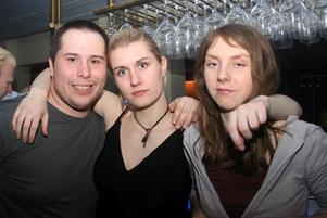 Blue Moon Bar. Rajan, Johanna och Linnea