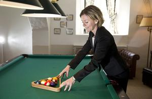 I BILJARDEN. Konferensgästerna blir allt fler. Christina von Schinkel sköter verksamheten.