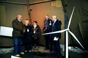 En engagerad panel näringslivsföreträdare, politiker och tjänstemän diskuterade förnyelsebar energi och den Svenska basindustrins förutsättningar.