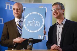 Moderaternas dåvarande partiordförande Fredrik Reinfeldt och partisekreterare Kent Persson presenterar partiets kampanj inför EU-valet 2014.