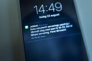 Handels vill minska otrygga jobb, som att vara sms-anställd