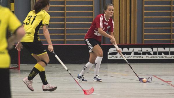 Emma Adolfsson har öst in poäng för Per-Ols i säsongsinledningen.
