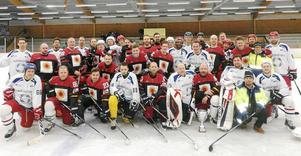 Industrislaget 2018 har avgjorts och även i år vann Fors Bruks lag (röda tröjor) denna heta derbymatch som avgjordes i Outokumpuhallen.