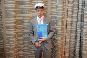 Oskar Karlsson fick BF-stipendium för elev med bästa avgångsbetyg 2011.