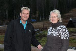 Radarparet med uppdraget att på sikt lyfta Hassela Ski Resort ännu några snäpp.  Lars Forsberg kan luta sig mot marknadschefen Lena Strömstedts kunskaper efter henens nio år på anläggningen.
