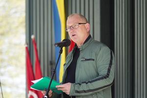 Johan Lindholm, orförande för Byggnads i Sverige, var huvudtalare i Societetsparken.