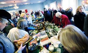Gåvor, frimärkssamling, tavlor, klippböcker, möbler från Edsbyverken... ja, det fanns det mesta på auktionen efter ägarna till Edsbyverken.