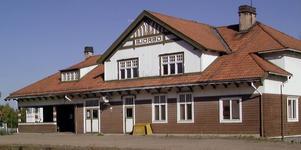 Kommunen utreder om Björbo stationshus är lämpligt som asylboende.