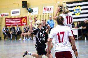 Det ville sig inte hela vägen för Ida Skoglund och Imo Ohlsson när Strand föll mot Borlänge.