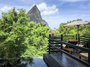 Behagliga miljöer finns det gott om på ön. Här Bouxan Hotel utanför Soufrière.   Malin Hefvelin