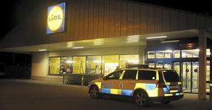 Lidl vid Björnövägen rånades av en yxbeväpnad person vid 17.20-tiden på lördagen.