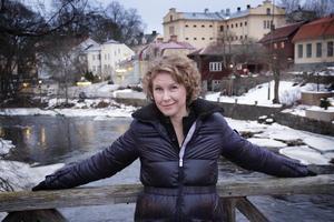 Eva Melander har funderingar på att flytta tillbaka till Gävle och rentav köpa ett hus.