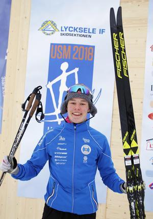 En jublande glad Gustav Hedström efter USM-guldet.Foto: Mikael Hedström