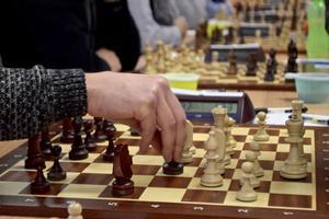 Eksjö schackklubb tog en viktig poäng i söndagens avslutande match när man höll minisammandrag under helgen.