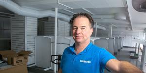 """""""Det ska vara tillåtet att testa och prova, det går inte på en surfplatta"""", säger Anders Lokgård."""