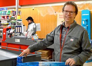 Ica-handlaren Stig Wikblad satsar nu för första gången på spel.