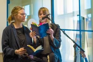 Malin Nord och Emma Warg läste högt ur
